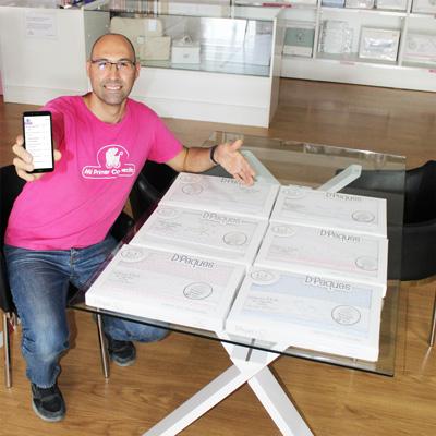 Ángel haciendo lista on-line por videoconferencia